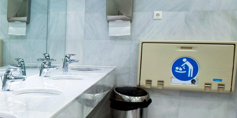 Equipamentos sanitários em inox ou plástico abs